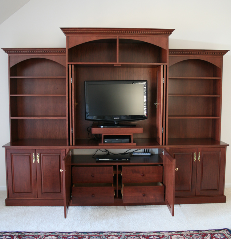 custom bedroom built in entertainment center traditional design with arches. Black Bedroom Furniture Sets. Home Design Ideas